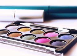 Green Eyes and Tutorials on How to Apply Eyeshadow